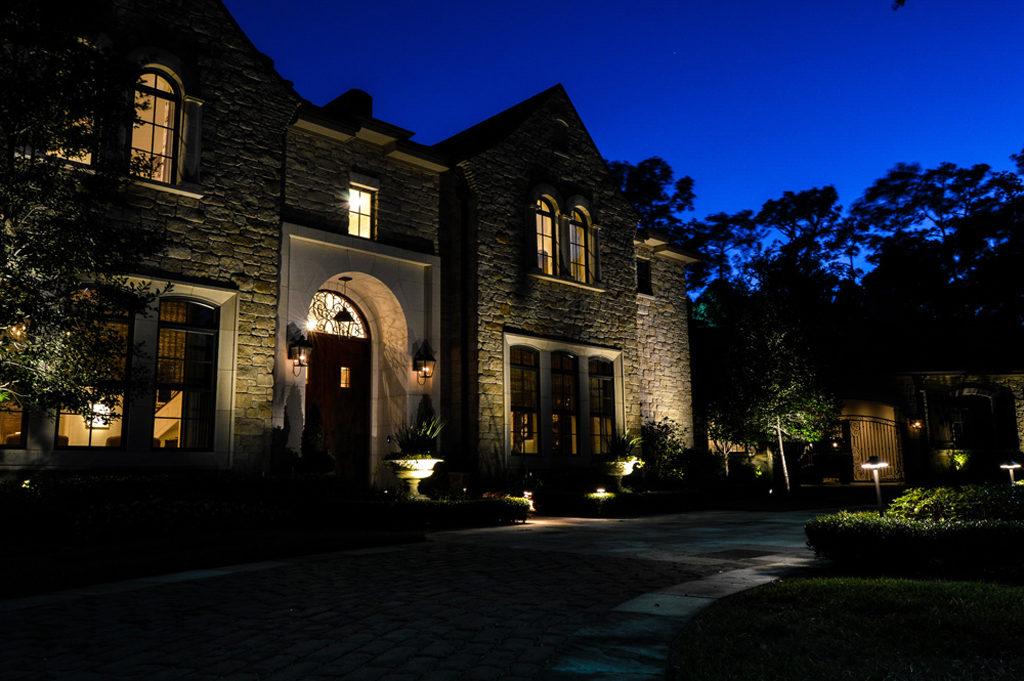 Outdoor landscape downlighting down lighting casts light