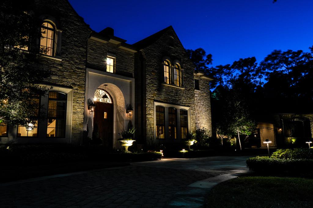 Houston outdoor lighting company 2 robert huff outdoor for Outdoor lighting companies